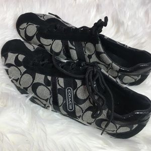 COACH SNEAKERS! Size 9. Lightly worn. Almost new